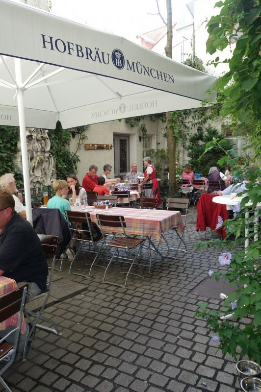 hofbr uhaus regensburg in 93047 regensburg restaurant regionale k che schankwirtschaft. Black Bedroom Furniture Sets. Home Design Ideas