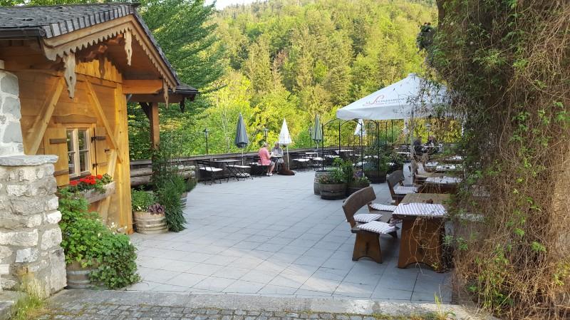 mauth usl in 83458 schneizelreuth hotel restaurant regionale k che terrasse wirtshausfreunde. Black Bedroom Furniture Sets. Home Design Ideas