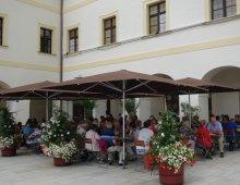 Cafe` Restaurant Klosterhof